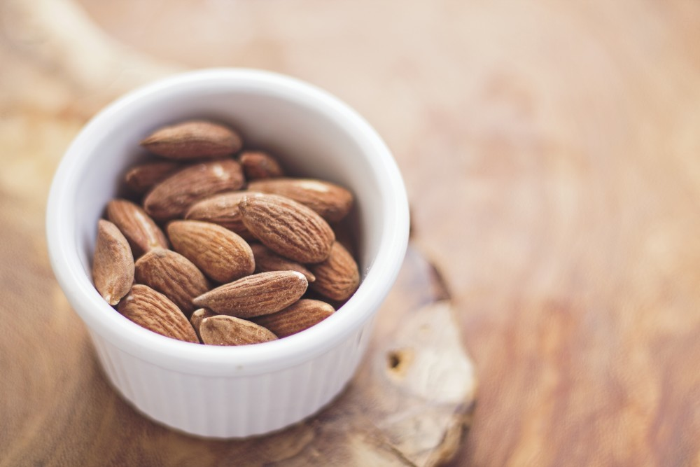 almonds for a sugar free cake